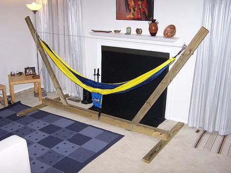 Simple Plans for a DIY Hammock Stand